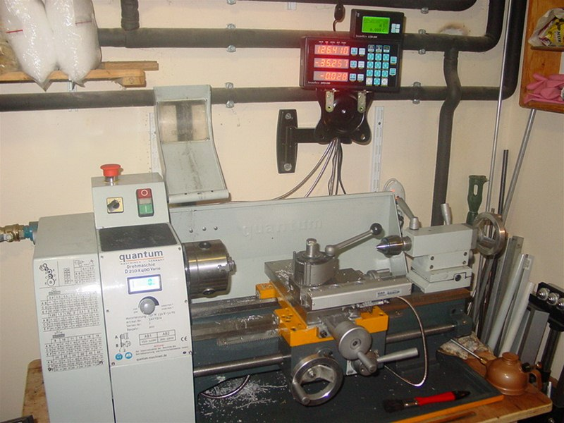 Quantum 210 x 400 lathe with DRO and scales