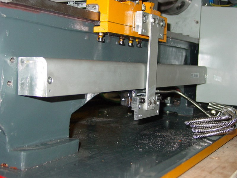 Mounting Sino glass scales on lathe bed